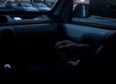 Belle queue sur un parking